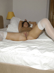 Blindfolded babe Sandra in white stockings and high heels spreads her .. - picture 19