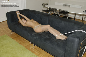 Small tits Susanna gets roped i nthe bat - XXX Dessert - Picture 6