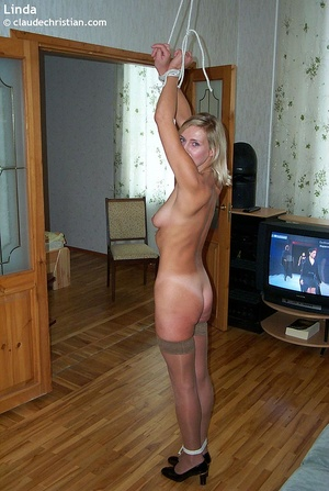 Busty milf Linda in tight stockings posi - XXX Dessert - Picture 21