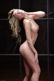gorgeous blondie demonstrating her