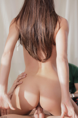 Fantastic brunette nymph in black peigno - XXX Dessert - Picture 7