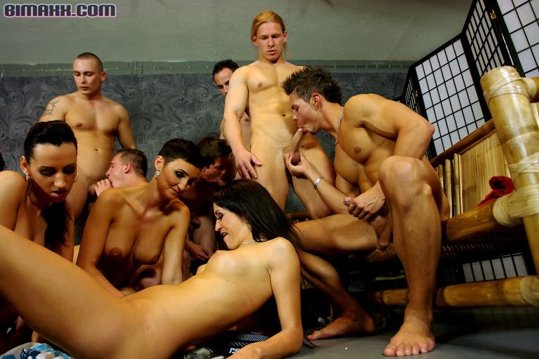 фото бисексуалов голых
