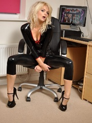 Be happy about the latex sex sluts - Sexy Women in Lingerie - Picture 1