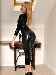Holy Shit! That latex clothing - Sexy Women in Lingerie - Picture 2