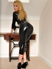 Holy Shit! That latex clothing - Sexy Women in Lingerie - Picture 9
