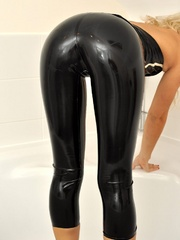 That smooth black latex bondage - Sexy Women in Lingerie - Picture 7