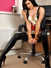 Guess you understand what my latex - Sexy Women in Lingerie - Picture 4