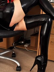 Guess you understand what my latex - Sexy Women in Lingerie - Picture 7