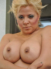 Plump blonde milf pulls down her - Sexy Women in Lingerie - Picture 1