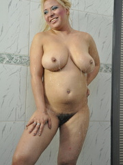 Plump blonde milf pulls down her - Sexy Women in Lingerie - Picture 15