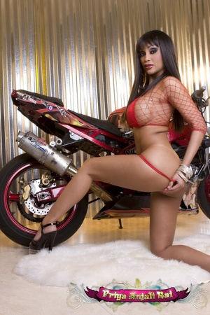 Intend to drive your Indian sex bike int - XXX Dessert - Picture 4