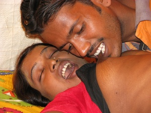 Screwing her tanned and well-smacking body in the horniest possible Indian teen way! - XXXonXXX - Pic 3