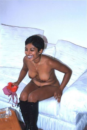 Hot brown Indian sex lovely is showing off herself - XXXonXXX - Pic 3