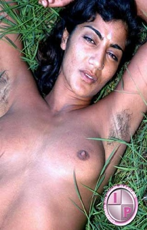 Fuck her smacking Indian pussy in that green grass right now!!! - XXXonXXX - Pic 4