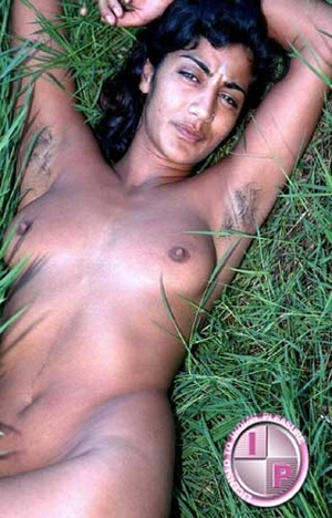 Fuck her smacking Indian pussy in that green grass right now!!! - XXXonXXX - Pic 5