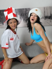 Pettie asian gilr sticking her hand up to - XXX Dessert - Picture 8