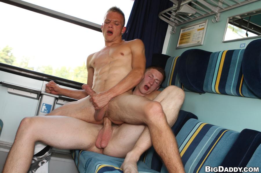 Гей Порно В Автобусе