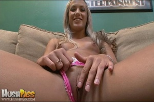 Blonde slut rubbing her cooch prior to s - XXX Dessert - Picture 5