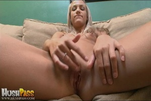 Blonde slut rubbing her cooch prior to s - XXX Dessert - Picture 7