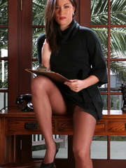 His Asian secretary in sexy high heel - XXX Dessert - Picture 2