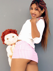 Indian schoolgirl spreads her dark slit - XXX Dessert - Picture 6