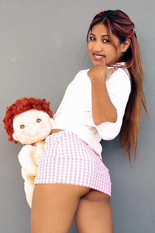 indian schoolgirl spreads her