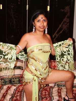 Sex starving indian nymph undressing and doesn't mind group sex with five strangers. - XXXonXXX - Pic 3