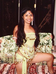 Sex starving indian nymph undressing and doesn't - XXXonXXX - Pic 4