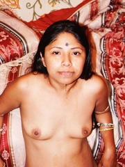Sex starving indian nymph undressing and doesn't - XXXonXXX - Pic 6