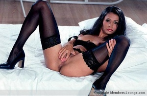 Perfect body indian beauty in black exclusive lingerie spreading wide on a cam so you can see her sweet twat. - XXXonXXX - Pic 7