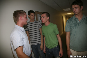 Skinny twink jacking off in all him mates view - Picture 1