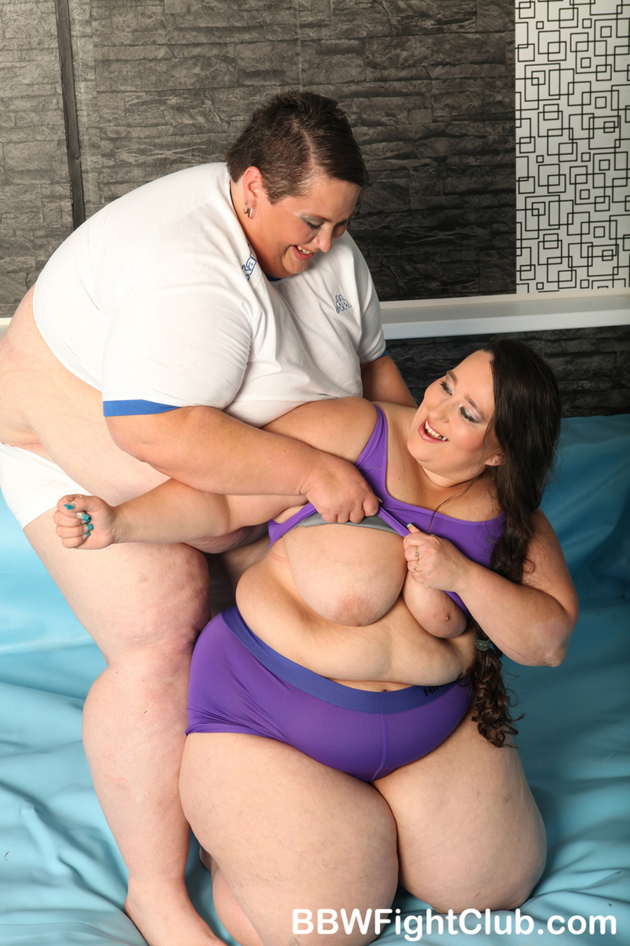 Extremely fat women xxx naked image
