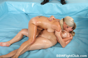 Angry chubby chicks with oiled body don' - XXX Dessert - Picture 7