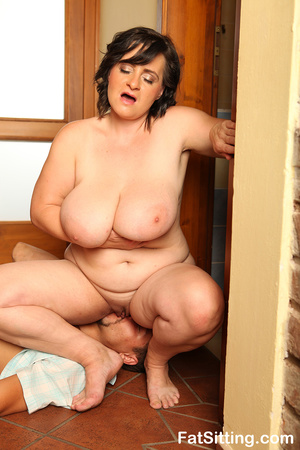 Brunette fatty sits on dude face before  - XXX Dessert - Picture 11