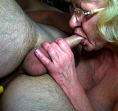 What's better for mature milf: alive male cock…