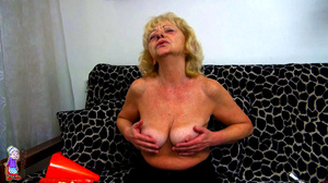 It's just one moment of being a lucky girl and refined mature milf at one shot. - XXXonXXX - Pic 4