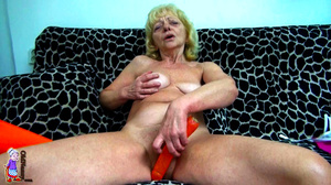 It's just one moment of being a lucky girl and refined mature milf at one shot. - XXXonXXX - Pic 6