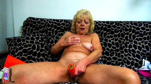 It's just one moment of being a lucky girl and refined mature milf at one shot. - XXXonXXX - Pic 7