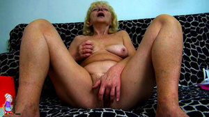 It's just one moment of being a lucky girl and refined mature milf at one shot. - XXXonXXX - Pic 14