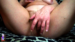 It's just one moment of being a lucky girl and refined mature milf at one shot. - XXXonXXX - Pic 15