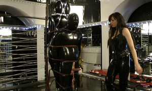 Latex dressed dominatrix abusing her - XXX Dessert - Picture 2