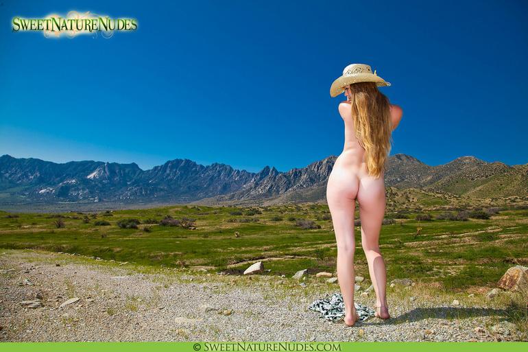 naked thong beach girl
