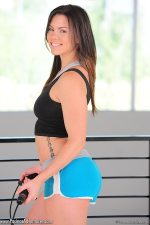 Very hot latina sports girl gets naked in the gym and exposes her nice boobs - Picture 10