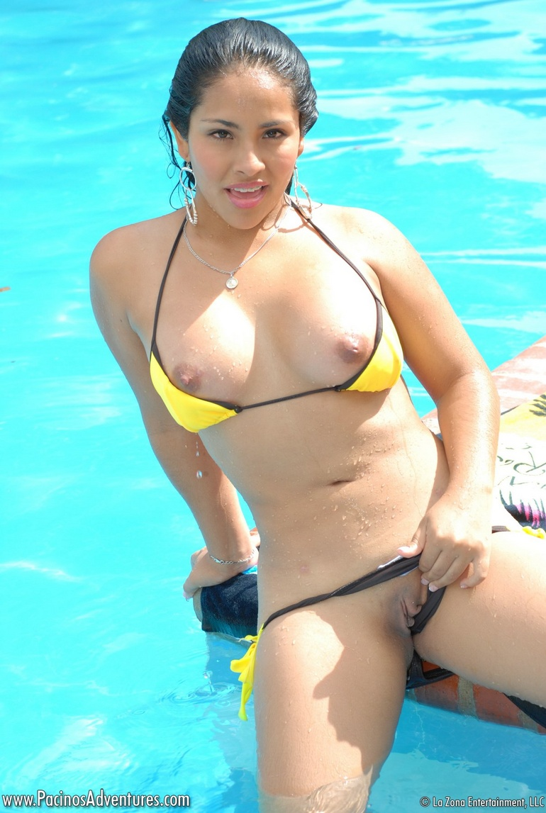 Van Mature Hot latina in bikini video just