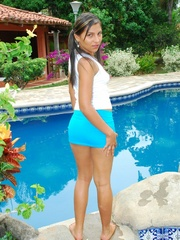 Nasty latina girl in blue short skirt drilling her - XXXonXXX - Pic 3