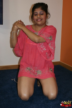 Wild Indian chick in pink dress takes it off to stay nude on cam - XXXonXXX - Pic 4