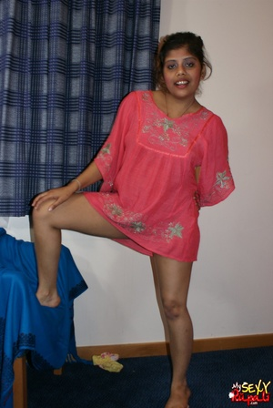 Wild Indian chick in pink dress takes it off to stay nude on cam - XXXonXXX - Pic 6