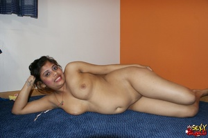 Wild Indian chick in pink dress takes it off to stay nude on cam - XXXonXXX - Pic 12