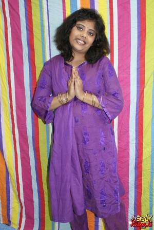 Sexy Indian fatty in purple sari takes it off to demonstrate her chubby delights - XXXonXXX - Pic 1
