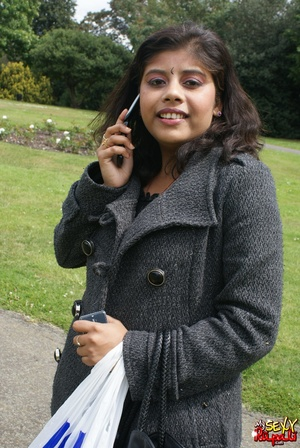 Shameless Indian teen in jeans shows off her big tits outdoors - XXXonXXX - Pic 1